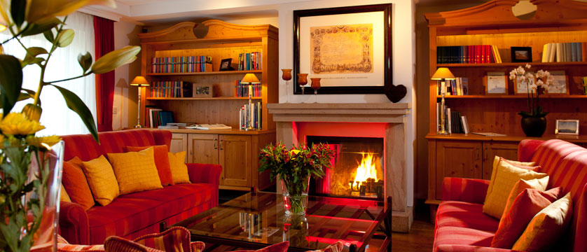 Hotel Kaiserhof, Kitzbühel, Austria - Lounge & fireplace.jpg